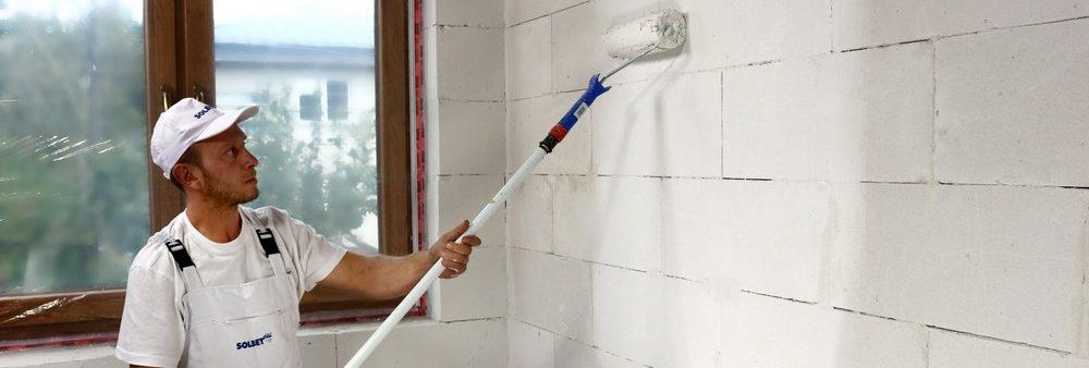 gruntowanie ścian, remont